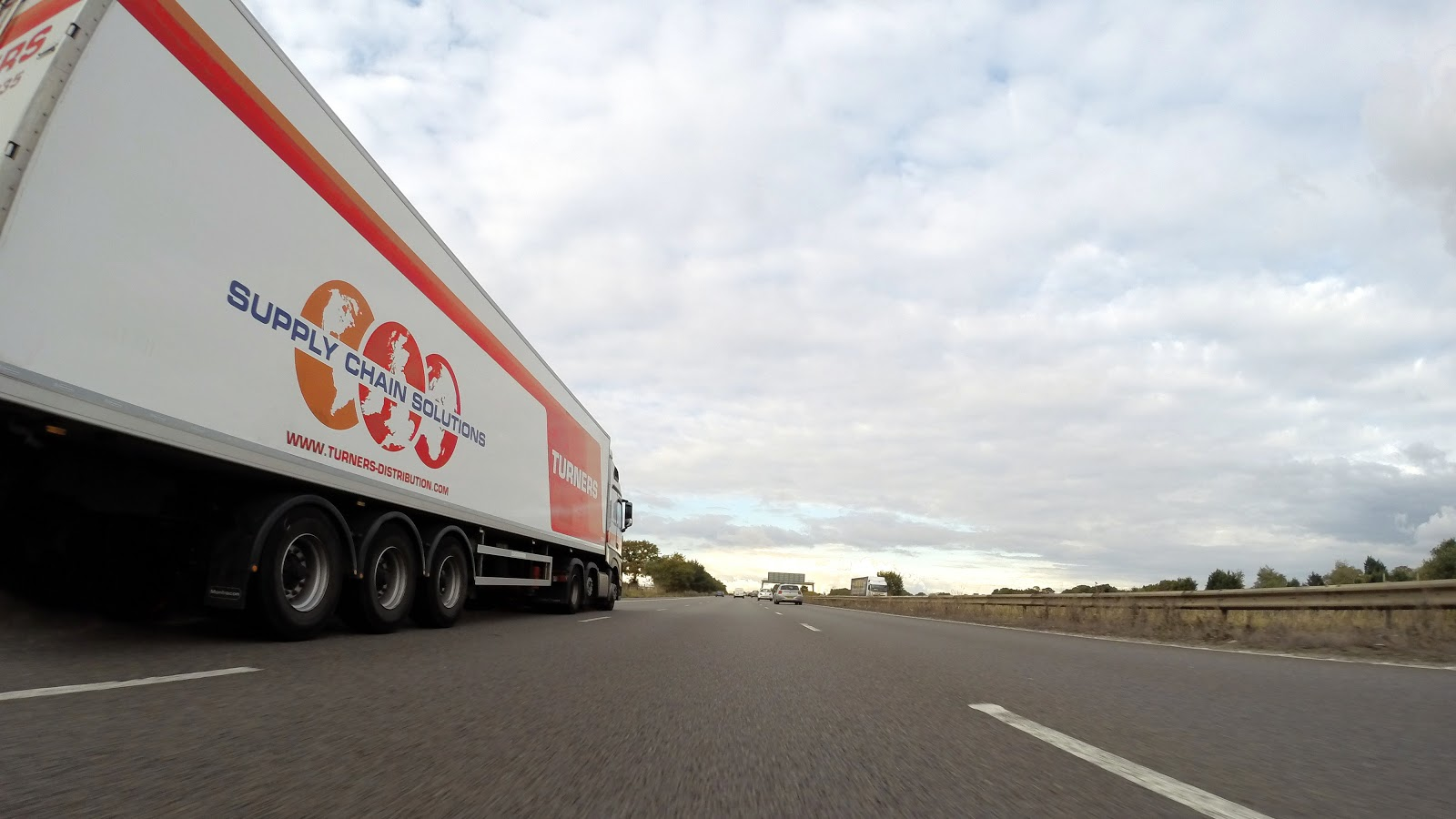 Why Should I Outsource my Logistics to a 3PL